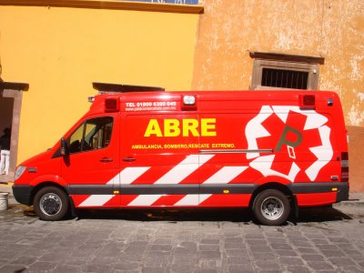 ambulancias y vehiculos de rescate
